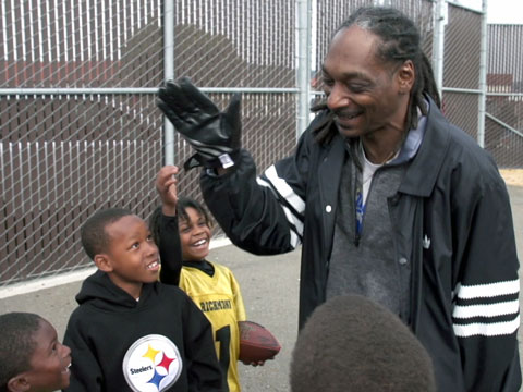 "Snoop Dogg Inspires Young Athletes in ""Coach Snoop"""